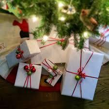 How To Make Simple And Fun Christmas Gift Wrap Christmas