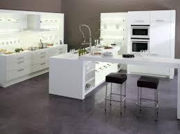 decorer cuisine toute blanche ixina cuisine design pas chère