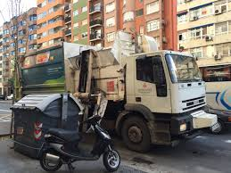 Garbage Trucks Of Spain: Valencia RH Commercial ASL - YouTube