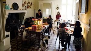 mimi cuisine εκανε το σπίτι και τη ζωή της σαν όνειρο ολοι τρέχουν στη γαλλία