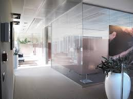 Flooring Materials For Office by Designer Partitions For Offices In Glass Wood Classic And Modern