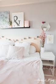 bilderleiste dekorieren schlafzimmer caseconrad