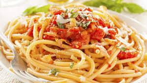 pates a l amatriciana rififi autour de la recette des pâtes all amatriciana en italie