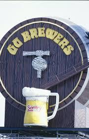 Halloween Express Milwaukee Milwaukee Wi by Best 25 Milwaukee Brewers Ideas Only On Pinterest Bob Uecker