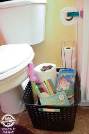 Caillou Pees In The Bathtub by Best 25 Potty Training Ideas On Pinterest Kids Potty Training