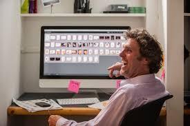 lesbienne bureau au bureau tout le monde voit votre écran que faire