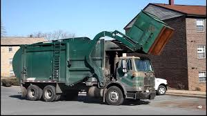 100 Garbage Trucks In Action