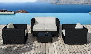 canap de jardin en r sine salon de jardin résine tressée design coussins gris clair