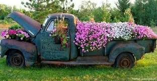 Has Anyone Tried Using Old Truck Parts And Accessories For Gardening Maybe You Can Give Some Tips Recommendations Ive Been Looking At Pinterest