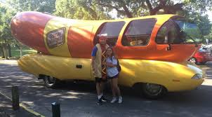 La. Man Picks Up Girlfriend From UL Lafayette In A Themed Car Each Day