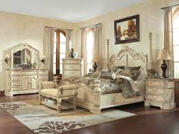 CAROLINE 5pcs TRADITIONAL ANTIQUE WHITE QUEEN KING POSTER BEDROOM