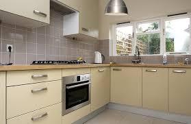 revetement mural cuisine revetement mural pour cuisine maison design bahbe com
