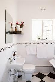 renoviertes badezimmer mit offenem bild kaufen