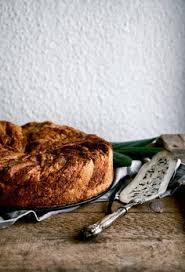 Apple Cinnamon Bun Cake