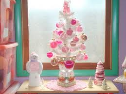 2908662 15294557 Thumbnail White Christmas Tree With Pink Ornaments