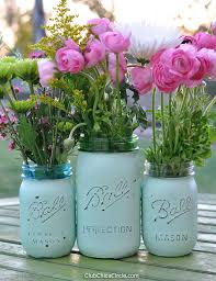 Easy Distressed Mason Jar Vases DIY
