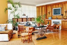 grosszügiges wohnzimmer mit modernem bild kaufen