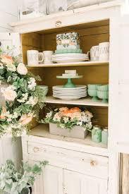 Cheerful Spring Farmhouse Dining Room