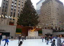 Christmas Tree Rockefeller Center 2018 by Fivefeettall Skating Across Nyc