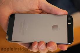 Hands on with the new Grey Gold & Silver iPhone 5s with leather cases