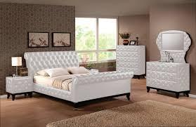 Platform Bedroom Set by Upholstered Sleigh Platform Bedroom Furniture Set 151 Xiorex