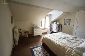 meuble pour chambre mansard chambre mansardee bleu avec peindre une chambre mansard e idees et
