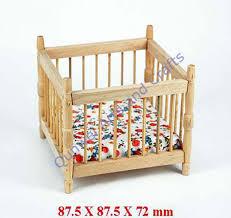 puppenhaus miniatur 1 12 holzpuppe möbel spielzeug babybett wiege mit matratze möbel qw60143 buy puppenhaus holz miniatur baby bett arabischen möbel