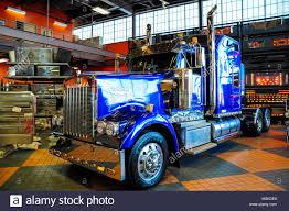 Truckstop Truck Stop Stock Photos & Truckstop Truck Stop Stock ...