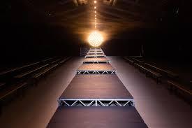 bureau de change tuileries 13 best runway set design images on set design stage