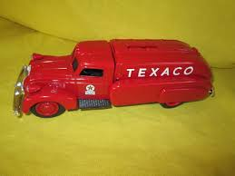 1939 Texaco Dodge Airflow #9500 ERTL Toy Truck Bank | EBay Amazoncom Ertl 9385 1925 Kenworth Stake Truck Toys Games Texaco Cast Metal Red Tanker Truck By Ertl For Sale Antiquescom Vintage Toy Fuel Tractor Trailer 1854430236 Beyond The Infinity 1940 Ford Pickup With Lot Detail Two 2 Trucks Colctible Set Schrader Oil Vintage Buddy L Gas Pressed Steel Antique Tootsietoy 1915440621 Sold Diamond T 522 Livery Rhd Auctions 26 Andys Toybox Store 273350286110 1990 Edition 7 Stake Coin Bank Collectors Series 9 1961 Buddy