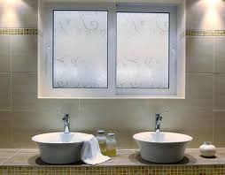 sichtschutzfolie für badezimmer interessante ideen
