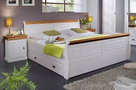 schlafzimmer landhaus deko caseconrad
