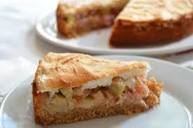 rhabarberkuchen mit honigbaiser