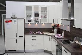 nobilia musterküche moderne l küche mit eckspüle