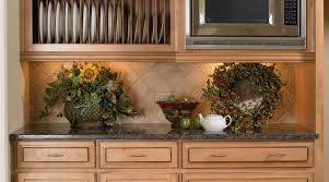 Wellborn Forest Champagne Cabinets by Wellborn Forest Those Kitchen Guys And Granite