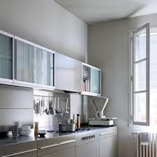 cuisine en cuisine sur un pan de mur rutistica home solutions