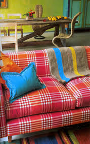 From Tricia Guilds Book In Town To Purchase Designers Guild Curtain And Upholstery Fabrics