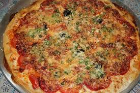 comment cuisiner les petits pois pizza tomate fraiche chorizo petits pois fromage cuisine