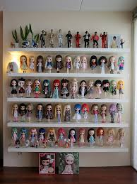 How To Display Collectibles Great Ideas For Displaying Your Collection Like This One On Floating