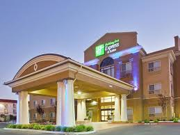 Holiday Inn Express & Suites Salinas Hotel by IHG