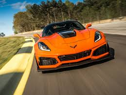 2019 Chevrolet Corvette Zr1 First Review Kelley Blue Book For 2019 ...