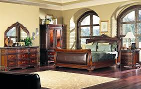 Distressed Cherry Finish Classic Bedroom W Sleigh Bed & Leather