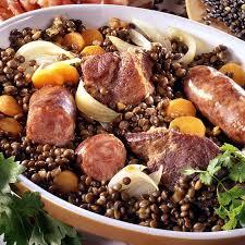 cuisine des lentilles recette petit salé aux lentilles du puy et saucisses de