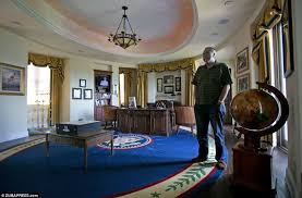 Resolute Desk Replica Plans by The White House Comes To Tampa Meet The Pharmaceutical Multi