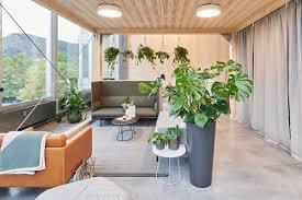 eine lounge im büro jetzt zum nach einrichten