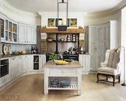 White Traditional Kitchen Design Ideas by Traditional Kitchen Design Ideas With Small Table And Elegant