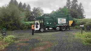 100 Waste Management Garbage Truck Training Drivers At New Regional Center In Bremerton