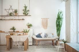 wohnzimmer mit einem rustikalen sofa sofa hergestellt