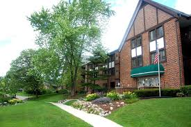 3 Bedroom Apartments Milwaukee Wi by Foxcroft Apartments Milwaukee Wi Walk Score