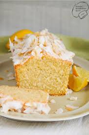saftiger kokos zitronen kuchen aus der kastenform mit